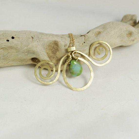 Spiral brass pendant necklace Handmade jewelry  Handmade di NoaZen