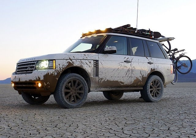I LOve  Range Rover!! This is the way they should look! All muddy! Not clean and pretty!! This is an ATV people!