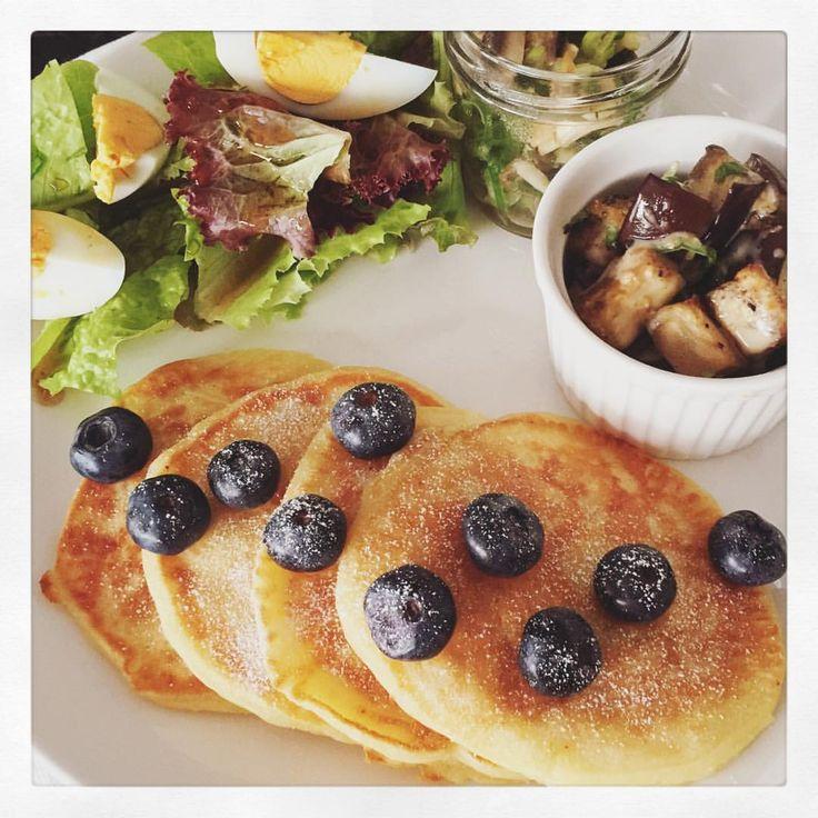 Sunday brunch: blueberry pancakes + roasted eggplant salad, home grown lettuce & sautéed mushrooms #evelittlekitchen
