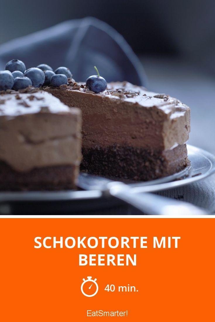 Schokokuchen: Schokotorte mit Beeren - smarter - Zeit: 40 Min. | eatsmarter.de