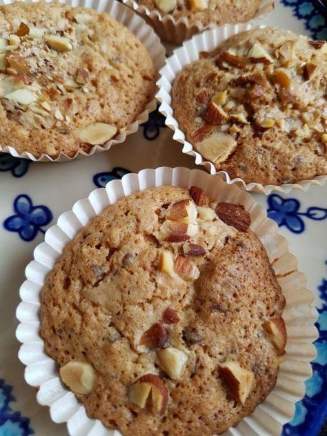 Muffins med makron, mandler og chokolade - små makronkager   NOGET I OVNEN HOS BAGENØRDEN