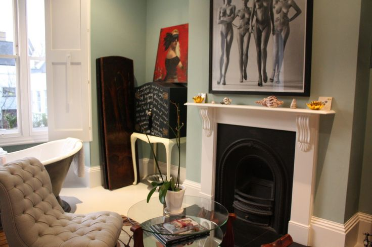 A striking Victorian terraced house finished with stylish decor and contemporary furniture. The house features an open-plan kitchen and sitting room with a double height glass sun-room and free-standing bath in the en-suite. NB unavailable until October