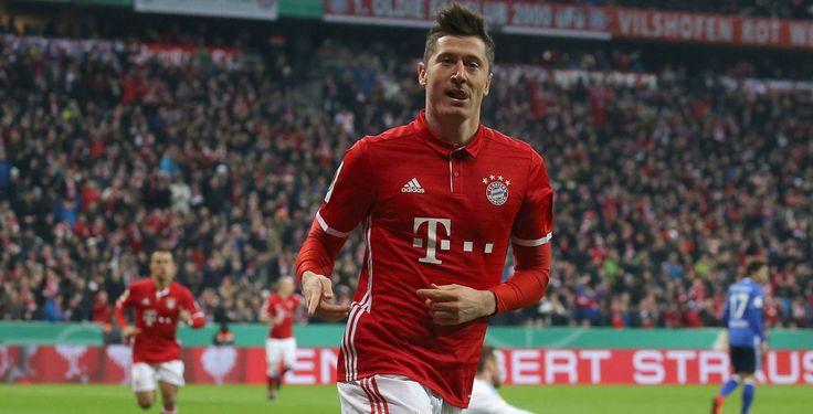 Robert Lewandowski traf gegen Schalke doppelt