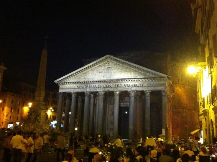 The Pantheon.  Roma
