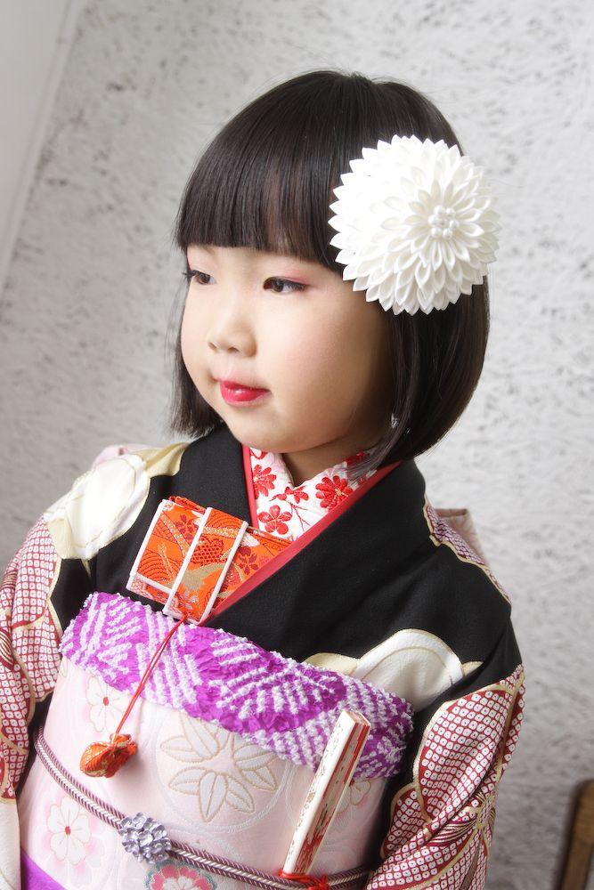 7歳さん仙台七五三写真。髪飾りは豪華なつまみかんざしです。スタジオズイムは仙台の写真館です。仙台フォトスタジオ仙台七五三仙台七五三写真仙台写真館仙台写真スタジオ写真屋七五三着物レンタルきものレンタル和服kimono,wafuku