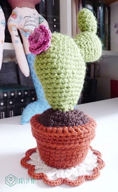 """Cactus Amigurumi - Patrón Gratis en Español - Versión en PDF - Click """"download"""" y en """"Cactus Amigurumi  (PATRON cactus esp.pdf)"""" click """"download PDF"""" aquí: http://www.ravelry.com/patterns/library/cactus-amigurumi-2#"""
