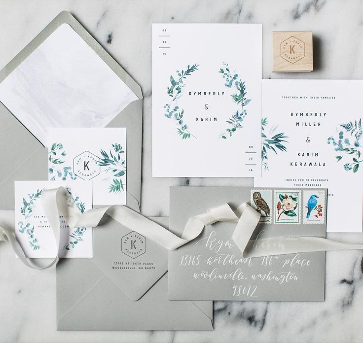 Love this elegant and modern invitation suite. Gorgeous colour palette.