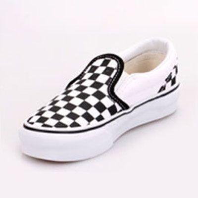 vans checkered black white