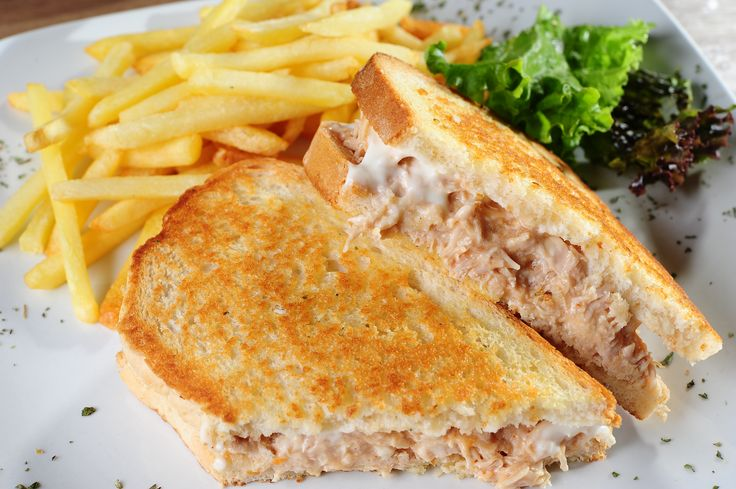 Our delicious toasted chicken mayo :)