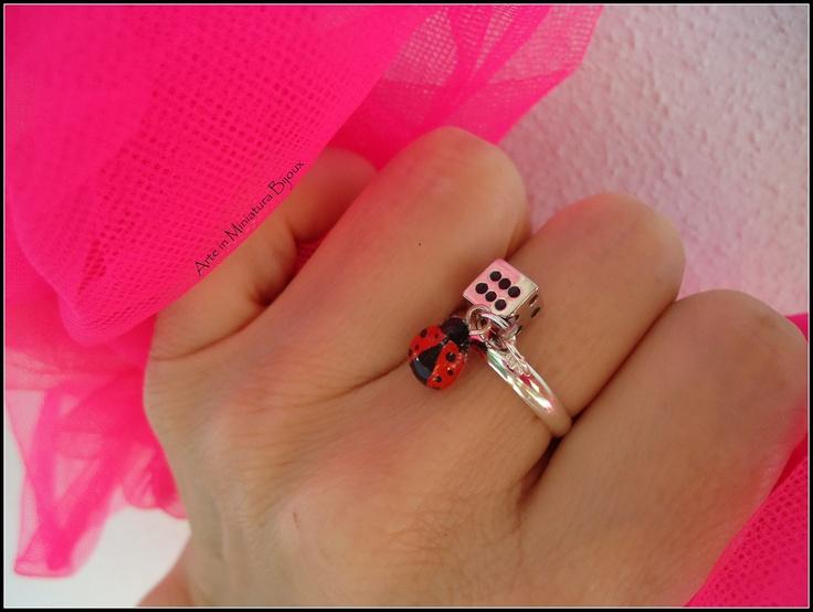Arte in Miniatura Bijoux: Anellini con Ciondolo Goodluck Ladybugs Red