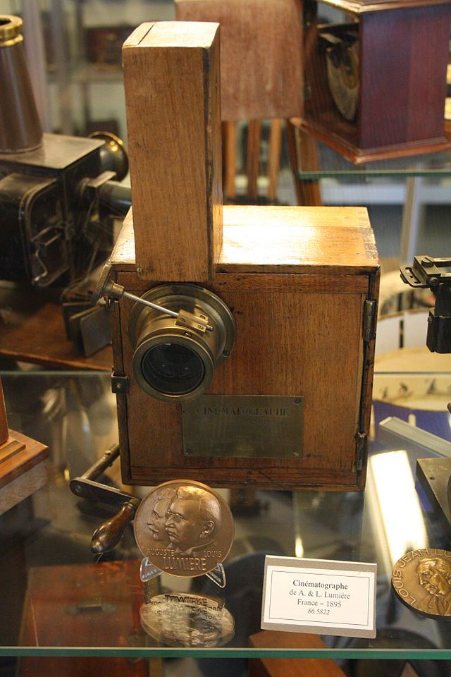 From Wikiwand: Cinématographe camera by the Lumière brothers in 1895 (ref 86.5822) at the French Museum of Photography in Bièvres, Essonne, France