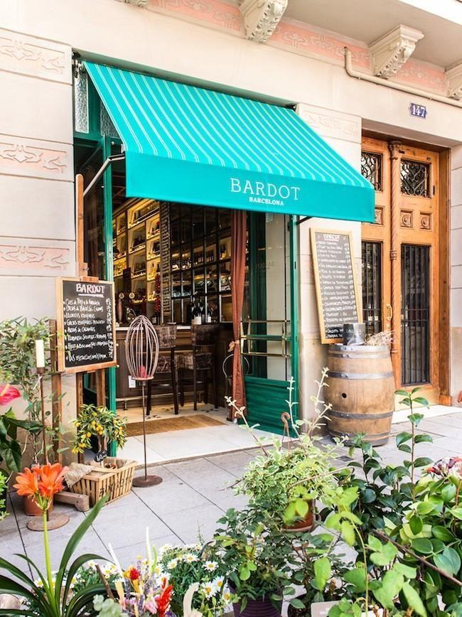 (VISITAT) - nenes Caixa - Restaurante Bardot, Barcelona. Tapas, platillos y menú mediterráneo