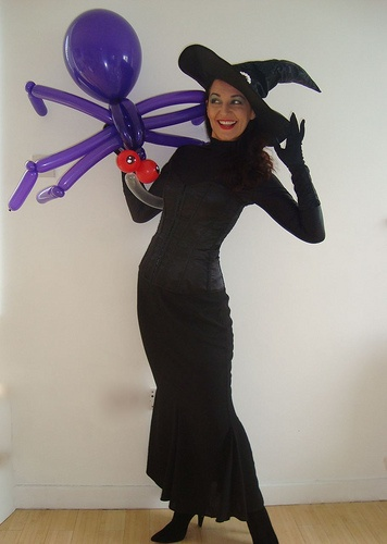 For those who notice this kind of thing.... an untimely pop means that my pet spider magically only has 6 legs... oops. #WitchCostume http://www.misslovegirls.com/category.php?id=30