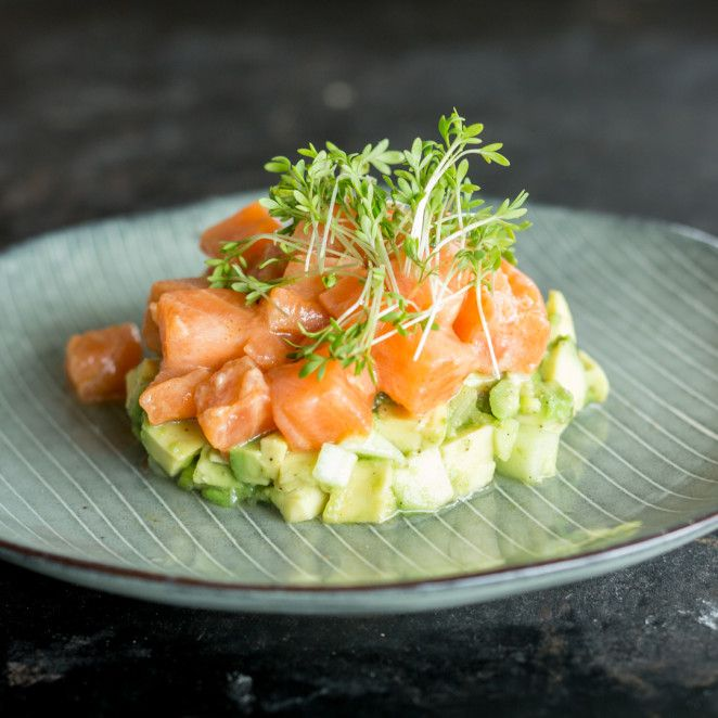 Lachs-Ceviche mit Avocado_featured