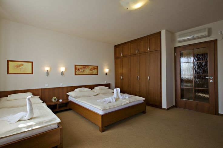room @Hotel_Lajta_Park Adress: 9200 Mosonmagyaróvár Vízpart utca 6 www.hotellajtapark.hu info@hotellajtapark.hu