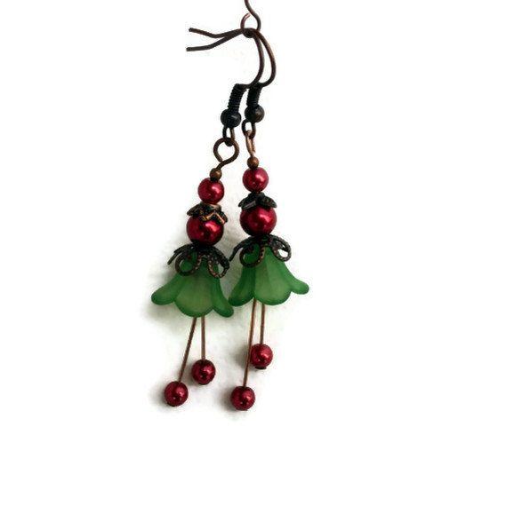 Pendientes de Navidad, vacaciones pendientes, pendientes de flor Lucite, pendientes de Navidad Vintage, pendientes rojo verdes, compañero de trabajo regalo, regalo de maestro