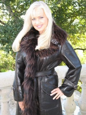 Casual Elegance Expresso Spanish Merino Shearling Sheepskin With Frosted Raccoon Trim - Size 10