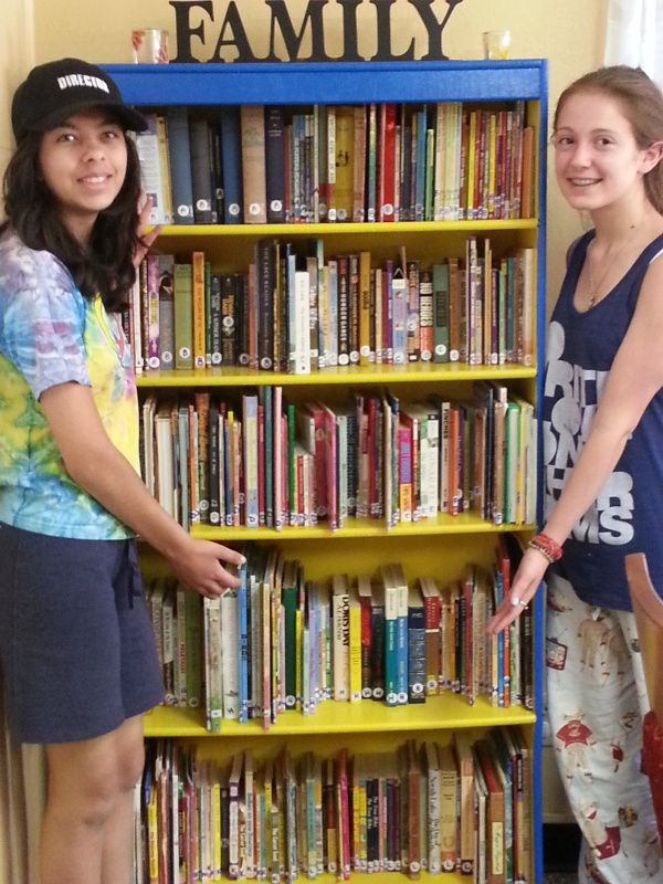 Girl Scouts create a library with over 1,500 books for Denver Children's Home | Girl Scouts of Colorado Blog