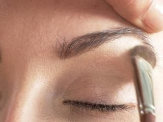 How to apply eye makeup for a natural look