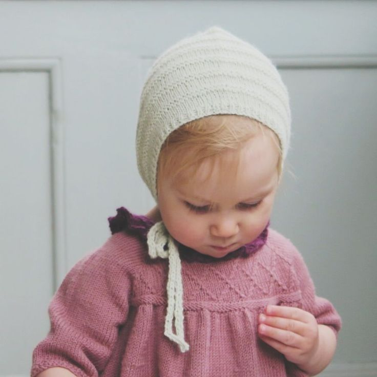 Little Hannah's Kyse via Little Edith's Knit. Click on the image to see more!
