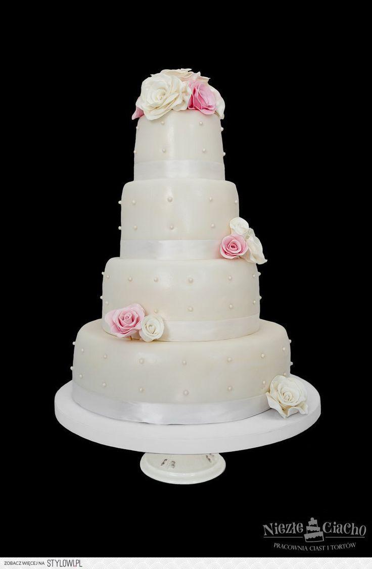 Biały, piętrowy tort weselny z różami, róże na tocie, styl angielski, wesele, Tarnów