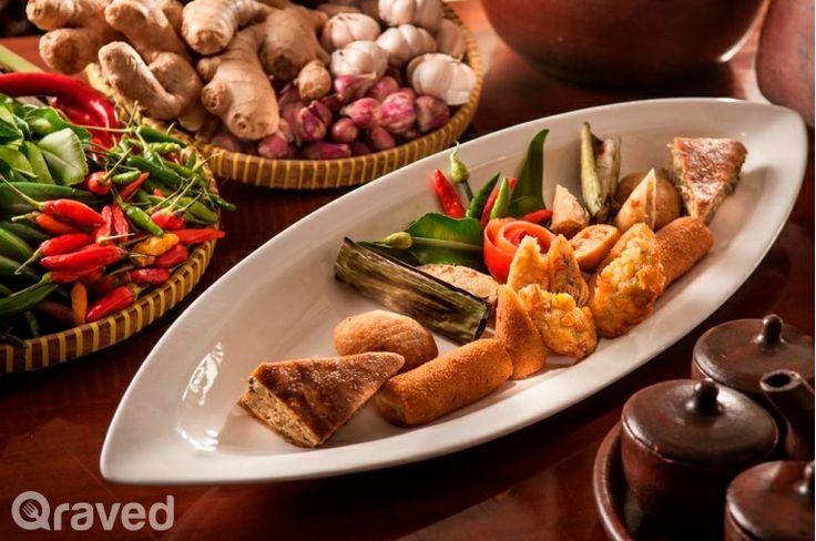 Sarwo Becik Sanget at Harum Manis Restaurant