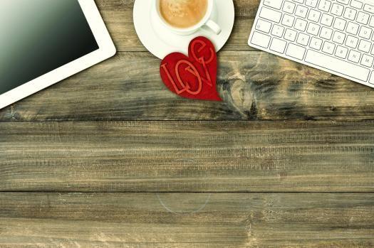 3 special ways to celebrate Valentine's Day at work | Robert Half Work Life