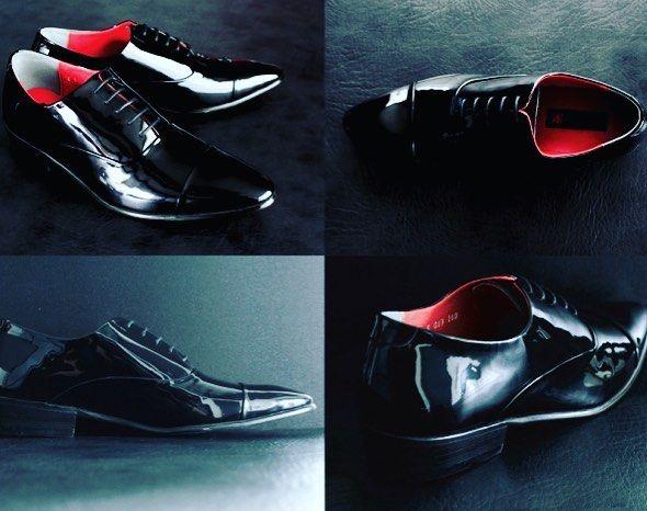 ロッソネロのエナメルシューズ  タキシードにはやっぱりエナメルシューズが格好いい このエナメルシューズはロッソネロオリジナルのシューズで人気です #エナメルシューズ #タキシード #靴 #シューズ #ロッソネロ