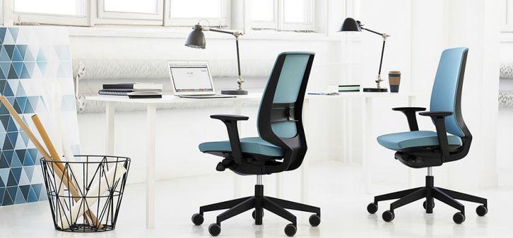Krzesło biurowe LIGHTUP #elzap #meblebiurowe #meble #furniture #poland #warsaw #krakow #katowice #office #design #officedesign #officefurniture #armchair #interior #inspiration #modendesign  www.elzap.eu www.krzesla.krakow.pl www.meble-metalowe.com