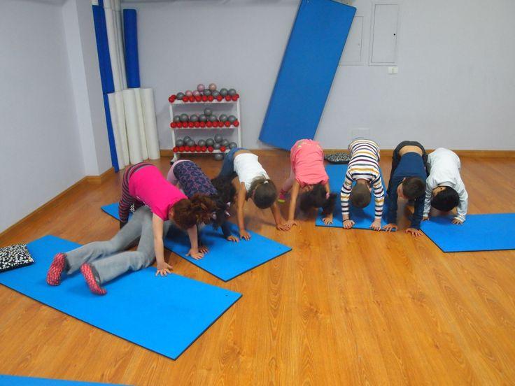 El yoga para niños es una experiencia muy saludable y divertida para ellos.