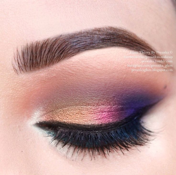love the metallic colors, well blended for an evening look:)