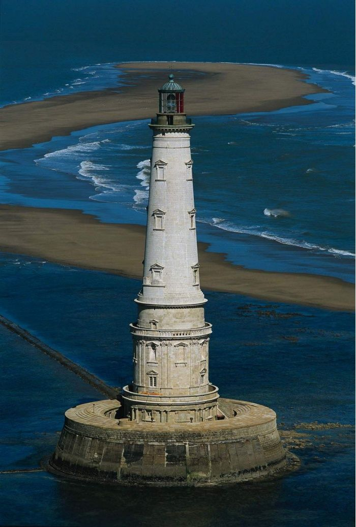 Le Phare de Cordouan, Aquitaine, France. One of many lighthouses here, this one was built in 1611 and is still active. Photo from webcrawler?