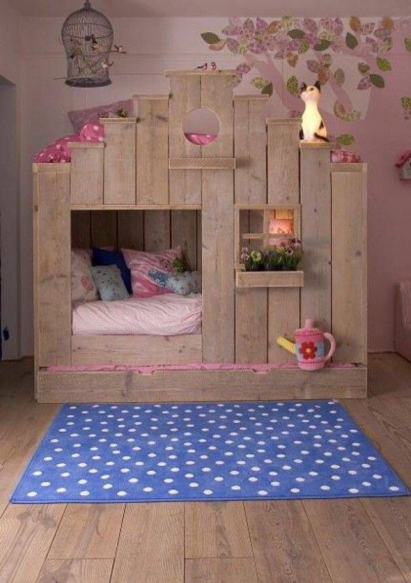 #4. This lovely little log-cabin is actually bunk beds!