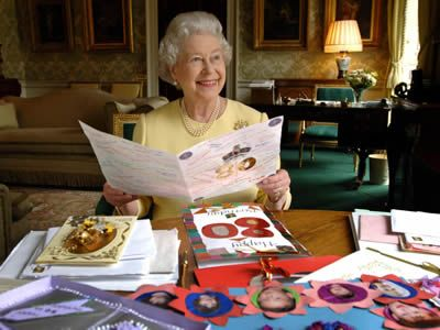 Latest news and profile of Queen Elizabeth II - hellomagazine.com