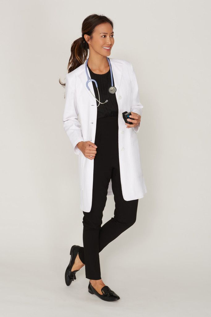 Slim cut women's lab coat with structured professional tailoring and modern design details. Liquid repellent with an antimicrobial finish for lasting protection