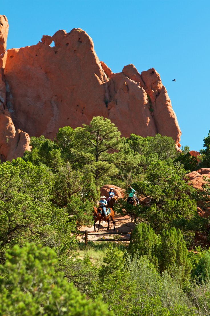 Horseback riding in garden of the gods with academy riding Garden of the gods horseback riding