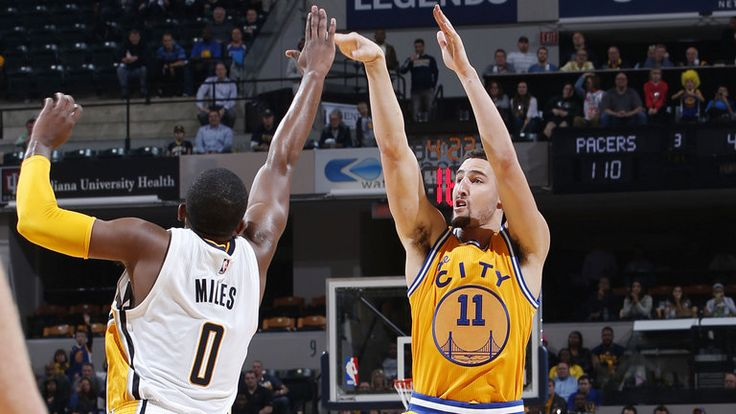 Klay Thompson suffers apparent ankle injury in Warriors' win over Pacers