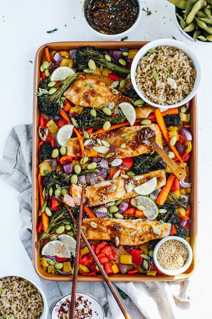 A super simple asian sheet pan dinner that comes together in less than an hour, can be made low carb and ...