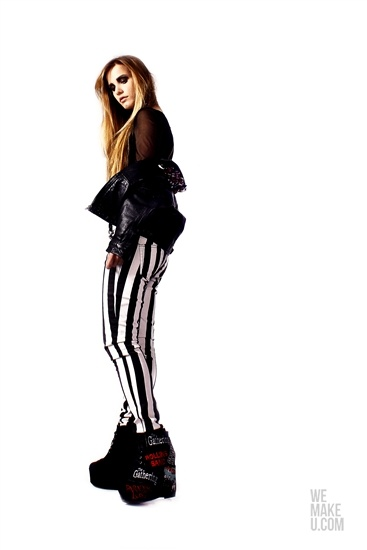 SWEET GRUNGE // PHOTOSHOOT // WEMAKEU.COM // http://wemakeu.com/2013/04/01/sweet-grunge-photoshoot/    #sweet #grunge #black #white #red #stripes #pants #trousers #leather #jacket #wedges #diamond