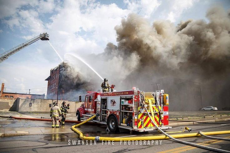 FEATURED POST @kempterfirewire - Ohio Wachter Building 16th Street 3rd alarm commercial fire. Photo Swanson Fire Photography . . TAG A FRIEND! http://ift.tt/2aftxS9 . Facebook- chiefmiller1 Periscope -chief_miller Tumbr- chief-miller Twitter - chief_miller YouTube- chief miller Use #chiefmiller in your post! . #firetruck #firedepartment #fireman #firefighters #ems #kcco #flashover #firefighting #paramedic #firehouse #firstresponders #firedept #feuerwehr #crossfit #brandweer #pompier #medic…