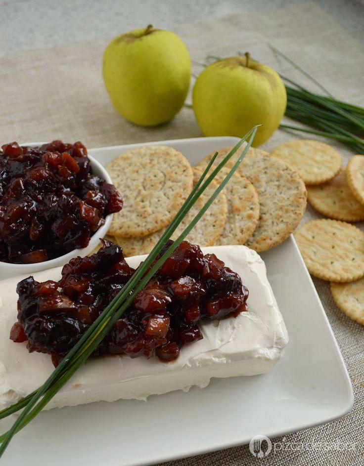 Botana de queso crema con chutney de manzana y arándanos (cranberry) www.pizcadesabor.com