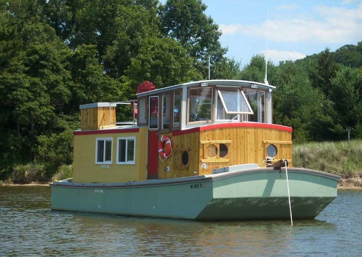 Upscale version of BUEHLERS River Walker Shanty House boats