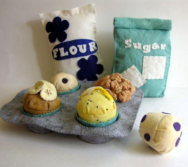 felt foods, felt food patterns, felt food tutorials, free felt food patterns- great idea for handmade Christmas gifts!! :)