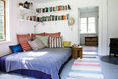 Imagine curling up with a good book, then curling up to take a nap, all in the same spot. Oh yeah.