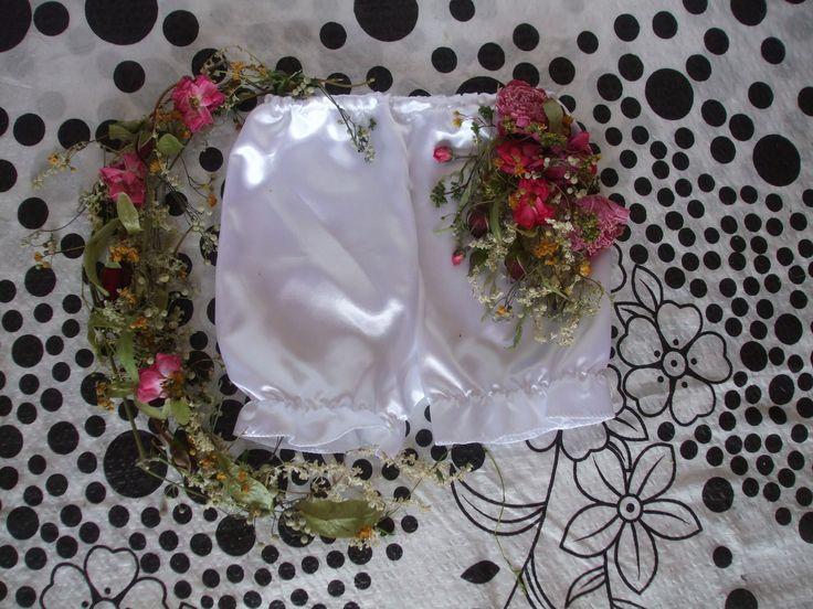 """NEWBORN...ČESKÁ flóra """"na prdelce"""" Autorské derotivní květinové kalhotky na focení miminek vytvořím i jiné na ZAKÁZKU.  17.červen 2015"""