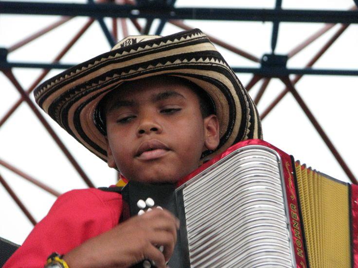 "VALLENATO. La academia de música Vallenata Andrés ""El Turco' Gil , Valledupar- Colombia . Provincia Hostel, Valledupar Colombia."