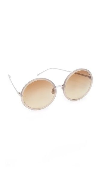 Get this LINDA FARROW LUXE's sunglasses now! Click for more details. Worldwide shipping. Linda Farrow Luxe 18k White Gold Plate Round Oversized Sunglasses: Round, oversized Linda Farrow Luxe sunglasses with acetate frames and gold-plated arms. Hard case, cleaning cloth, and display box included. Oversized frame. Non-polarized lenses. Imported, Japan. Measurements Width: 6in / 15cm Height: 2.5in / 6.5cm Lens Width: 61mm (gafas de sol, gafa de sol, sun, sunglasses, sonnenbrille, lentes de sol…
