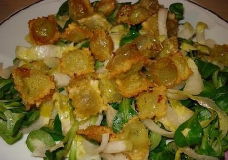 Salade aux ravioles croustillantes