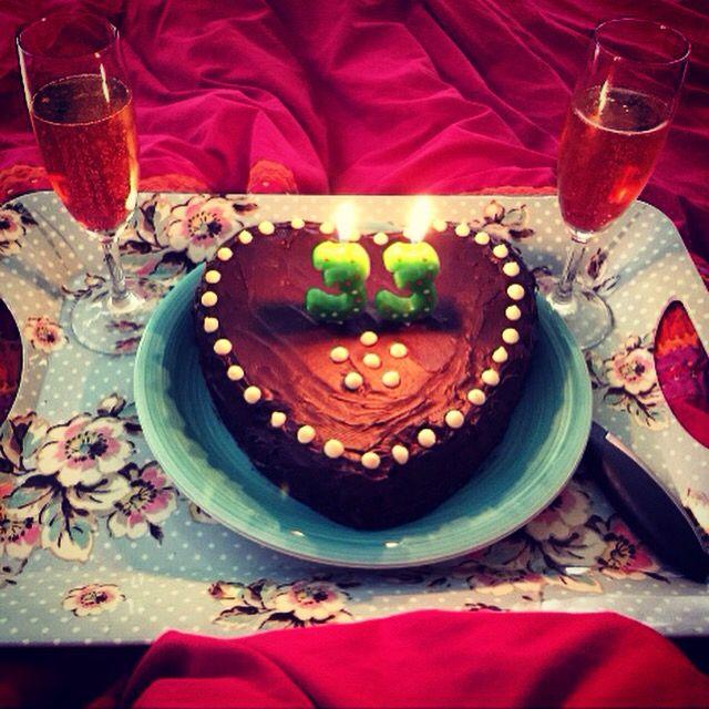 Kat's Cake. With Madagasar Vanilla, Valencian Orange, pistachios and almonds.