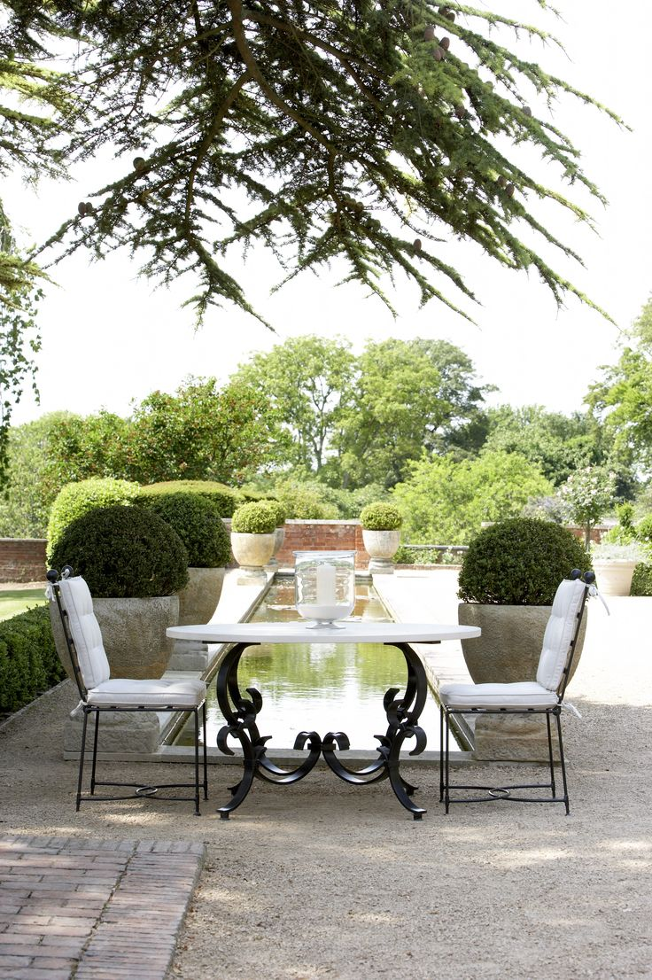 The Heveningham Collection is the ultimate in stylish, elegant iron furniture custom-made in Great Britain.
